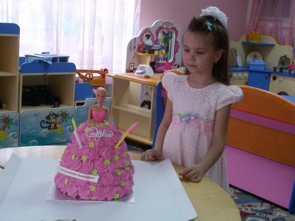 Воспитанники детского сада поздравляют Харламову Вику с Днём рождения!